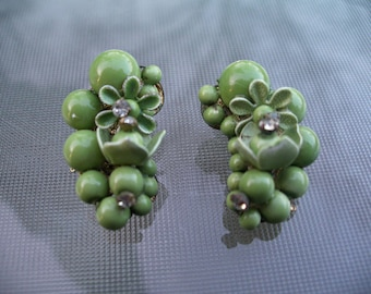 Old Estate Vintage Green Lucite?Glass? Rhinestone Flower Bead Cluster Clip on Earrings