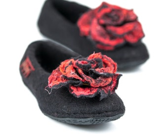 Felted Slippers with Roses for Mothers day gift, Wool Slippers with Flower Pins, Everlasting Rose Brooches, Home Slippers, Felted Flowers