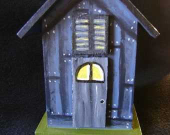 "Hand Painted Mini Birdhouse ""Hauntley House"""