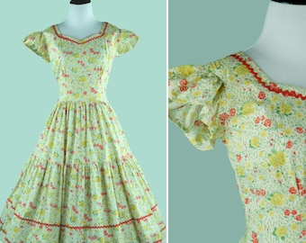 1950s Square Dancing Dress - 50s Floral Dress With Full Circle Skirt - Rose Print - Ric Rac - Sweetheart Neckline