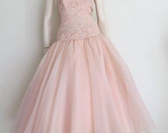 50% OFF SALE Vintage 50s 60s Pale Pink Drop Waist Dress / Prom / Full Skirt / Large / Wedding