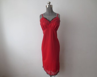 Vintage '60s Van Raalte Suavette Cherry Red Full Slip w/ Black Lace Accents, 36