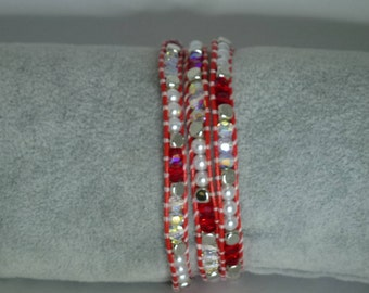 Bracelet woven with Swarovski crystals