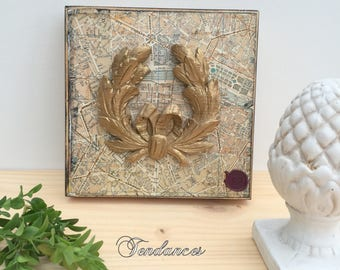 Wooden table with laurel wreath gold 20 cm