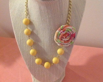 Simple Sunshine Rosette Necklace