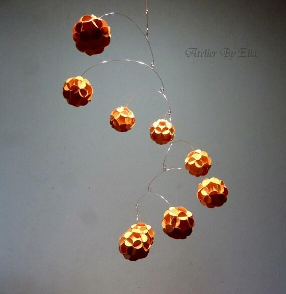 Kinetisches Mobile orange kugeln hängen mobile kinetisches mobile papier mobil