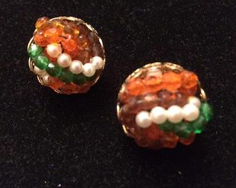 RICHELIEU Glass Bead Screw Back Earrings