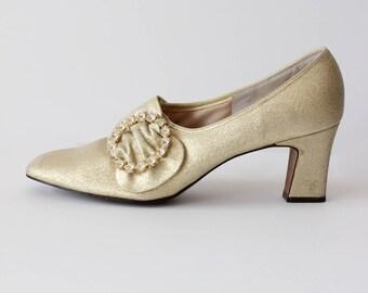 1960s Shoes / Vintage Gold Lamé Marie Antoinette Heels, size 6/7N
