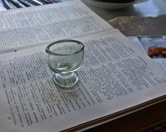 Vintage medical panel glass cup, Old Small Clear Glass for Medicine Laboratory use, Eye wash glass