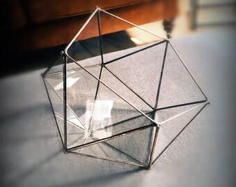 Terrarium à facettes en verre. Icosaèdre. Géométrique. Centre table mariage. Jardin intérieur. Pot cactus.