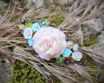 Romantic hair clip * a rose garden in my hair *.