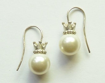 Earrings crowns with imitation pearl
