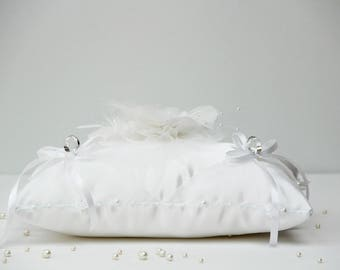 Pillow-bearer white flower satin and pearls