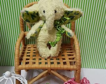 Stuffed animal , softie toy, plushie, blythe bjd doll pet. Miniature toy.