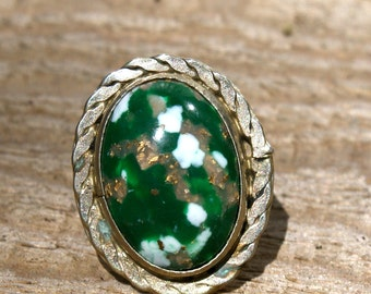 VINTAGE Green Chunky Ring