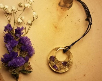 Resin pendant wildflower cast with adjustable cotton cord