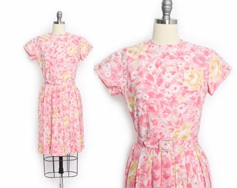 Vintage 1960s Dress - Pink Floral Cotton Full Skirt Pleated Day Dress 60s - Small S