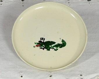 Alligator in a Top Hat Plate