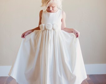 Flower Girl Dress: Rustic flower girl, Bridesmaid dress, natural flower girl dress, cotton flowergirl dress.