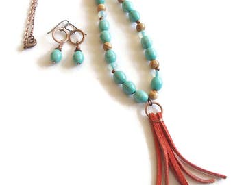 Bohemian Necklace and Earrings Southwestern Bohemian Turquoise Magnesite Dangle Fringe S72