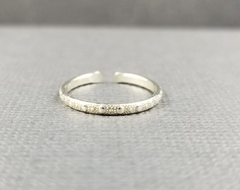 Sterling Silver Toe Ring Dotted Toe Ring Minimalist Body Jewelry Silver Jewelry Sterling Metal Body Jewelry
