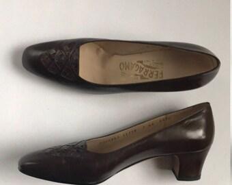 Vintage Salvatore Ferragamo 7 AA Brown Rapida Low Heel Shoes