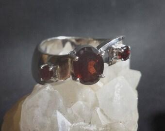 3 Stone Setting Garnet Ring 1.38 Carats  / Vintage Garnet Ring Size 7 1/4 / Garnet Sterling Ring / Garnet Silver Ring / Garnet Ring Sz 7.25