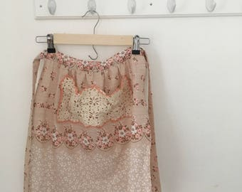 Vintage Style Half Apron with Doily Pocket