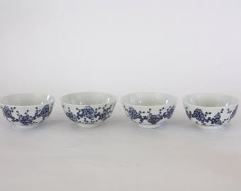 Set of 4 Vintage Blue and White Porcelain Bowls from Japan