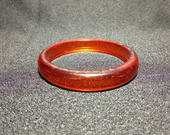Vintage Collectible 1930's Lucite Rootbeer Bangle (ABX1H)