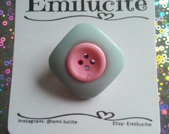 Vintage style button brooch