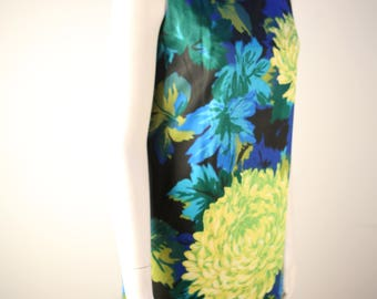 1960s bold floral printed cotton sateen shift dress in pristine condition