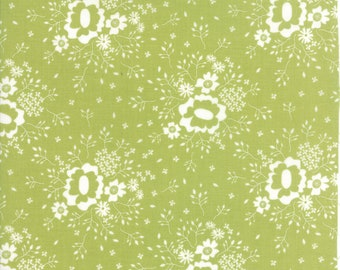 Pepper and Flax - Queen Anne's Lace in Sprig Green: sku 29042-18 cotton quilting fabric by Corey Yoder for Moda Fabrics