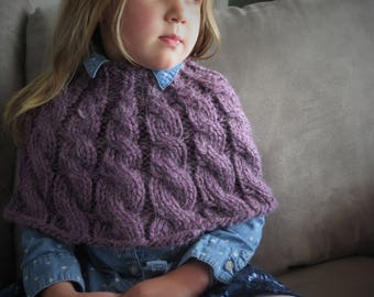 Toddler's Cozy Cabled Capelet
