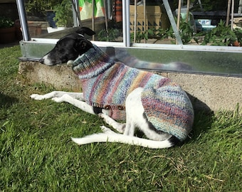 So pretty lurcher jumper. May fit larger whippet. Knit to order