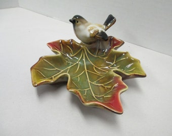 This small brown bird on a leaf ceramic dish