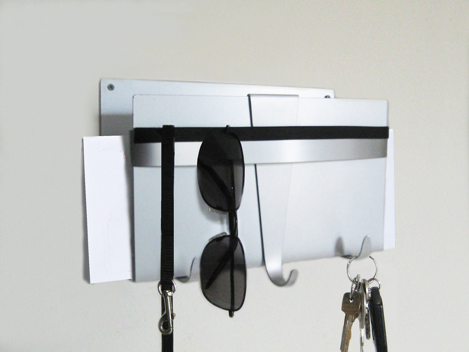 zoom Modern Wall Key Holder and Mail
