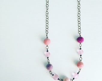 Newport Felt Necklace in Sugar Plum