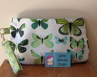 Wristlet// Clutch// Fabric Handbag// Caroline Wristlet// Handbag// Purse// Handcrafted// Butterfly// Butterflies// Nature// Green// Outdoors