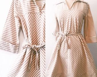 Vintage Collared / Striped V Neck Dress w/ Pockets