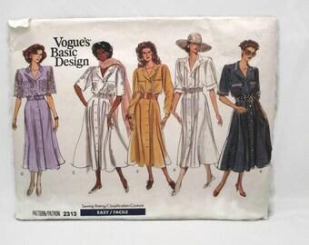 Vogue 2313 Easy Basic Design Misses and Misses Petite Dress Size 8-12 UNCUT