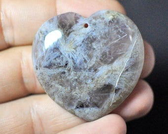 100% Natural Agate Heart Pendant. Natural GEMSTONE Transparent Gray Color. 93.90 Ct. 40x41x7 mm.
