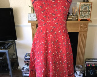 Vintage 1970s floral sun dress