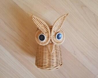 Wicker Owl  Boho Basket Footed Basket Planter Boho Vase Owl Eyes Beak Vintage Neutral Plant Pot Vase
