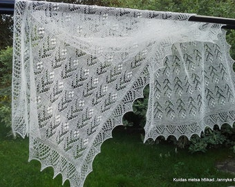 """MADE TO ORDER. Hand knitted Haapsalu shawl """"Flower pattern"""", traditional Estonian lace, 100% wool."""