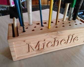 Personalized and carved wooden block Pencil organizer (personalized pencil organizer (pencil_H26b2_carv-a)