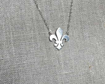 Silver Fleur De Lis Necklace - Sterling Silver Handmade - French Lily