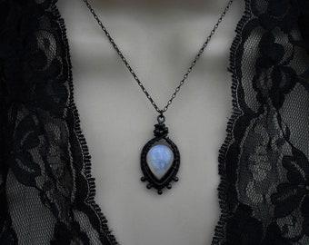 Rainbow moonstone necklace, moonstone pendant, gift for her, moonstone necklaces, rainbow moonstone jewelry, blue moonstone pendants
