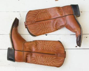 Two Tone boots | Vintage 1970s caramel Acme cowgirl boots | Brown boho western boots