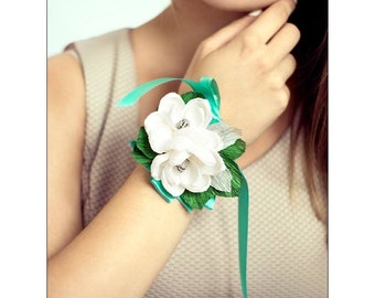 Wedding paper flowers,paper flowers,paper flower corsage,corsage magnolias,wedding flower,bridal corsage.